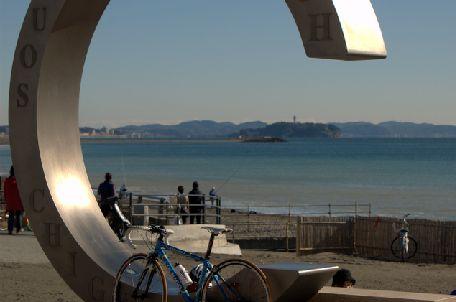 サザンビーチから江ノ島を望む.jpg